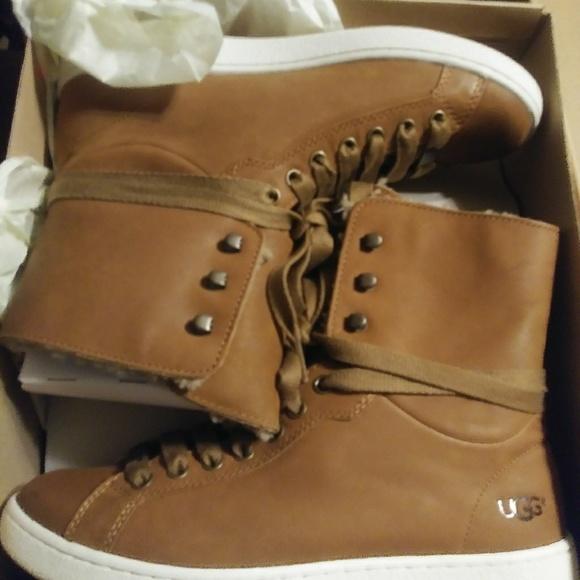 Starlyn Ugg Boots NWT